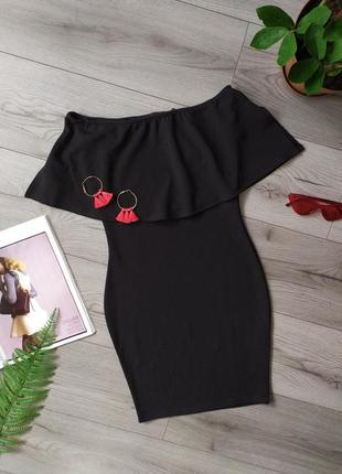 Плаття / сукня / платье / на плечі / плечи / маленькое чёрное