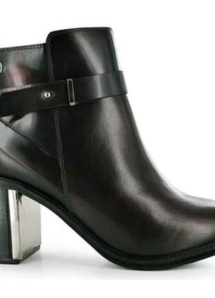 Красивые ботинки бордо кожа 40р бренд