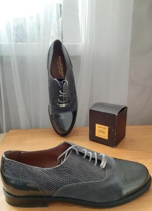 Мегакрутые! цена в магазине 215£ кожаные лаковые замшевые туфли оксфорды