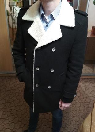 Пальто dukat со светлым воротником на осень/зиму. 48
