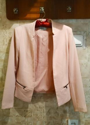 Пиджак жакет пудровый розовый классический
