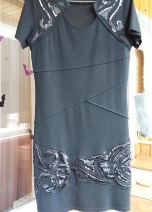 Платье чёрное паетки узоры