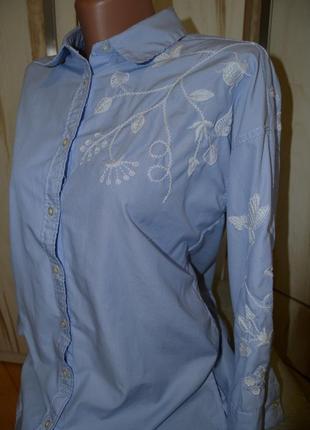 Стильная брендовая голубая рубашка с белой вышивкой вышиванка оверсайз s/m/l h&m
