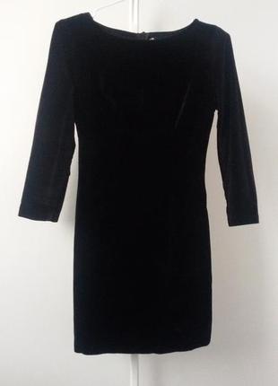 Маленькое чёрное бархатное  платье xs