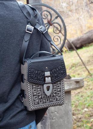 Сумка или рюкзак кожаная серая с черным с орнаментом унисекс