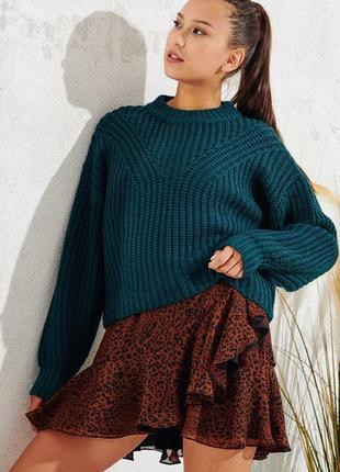 Очень крутой свитер оверсайз крупной вязки в изумрудном цвете.