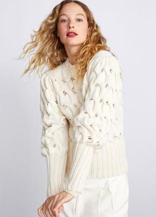 Вязаный свитер с узором «косы» и объемными рукавами-фонариками