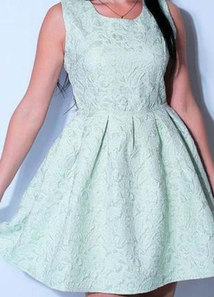 Качественное красивое платье из жаккарда. производитель италия.
