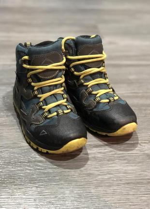Демисезонные ботинки mckinley