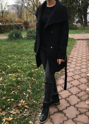 Стильное пальто от bershka