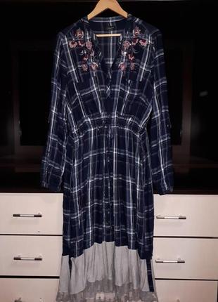 Шикарное платье с вышивкой и карманами раз.xl-xxl