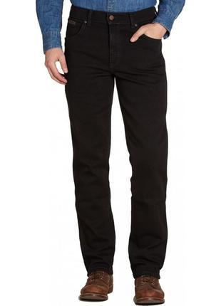 Черные зауженные  джинсы  wrangler