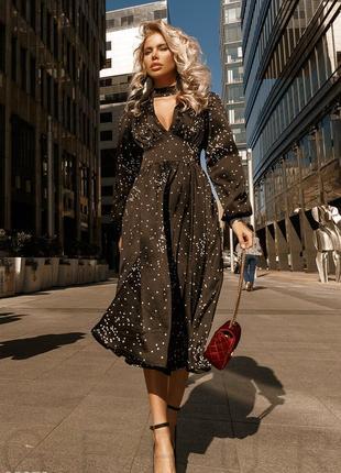 Невесомое черное платье