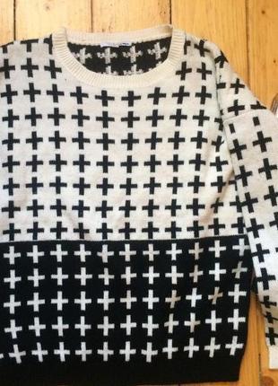 Об'ємний свитер кофта