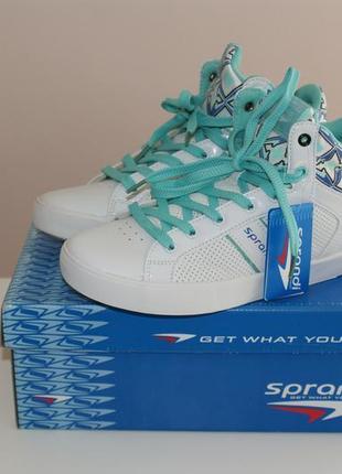 Белые сникерсы/кроссовки , размер 38, по стельке 24.5 см.