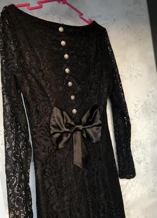 Чорне мереживне довге плаття