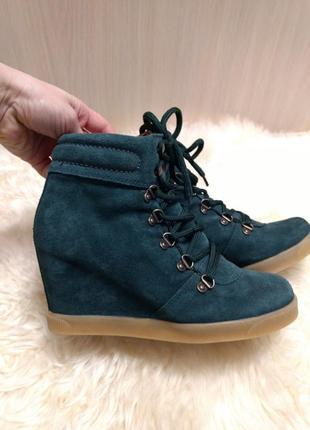 Замшевые ботинки catwalk