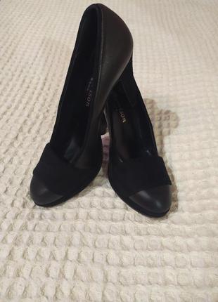 Туфли женские высокий каблук  италия.