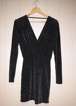 Черное коктейльное платье с люрексом