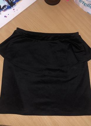 Чёрная юбка с баской
