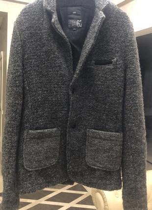 Шерстяной пиджак-куртка, пальто италия