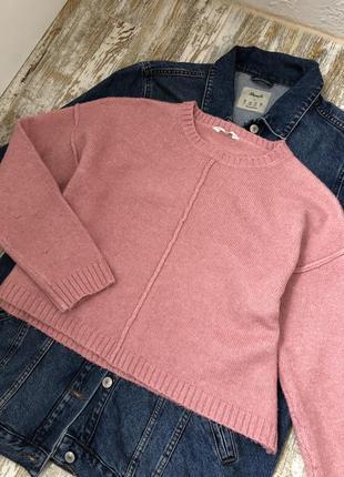 Укорочённый розовый свитер