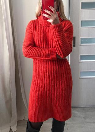 Морковное вязаное платье