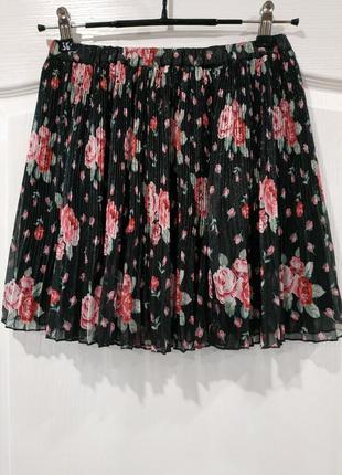 Стильная плиссированная юбка