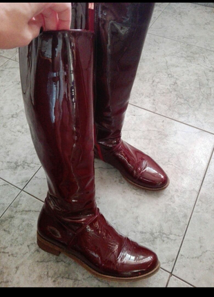 Продам кожаные сапоги