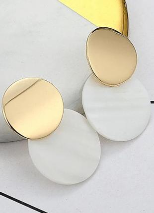 Серьги. модные металлические из ракушки серьги под золото уценка