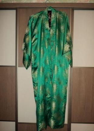 Традиционное винтажное японское кимоно