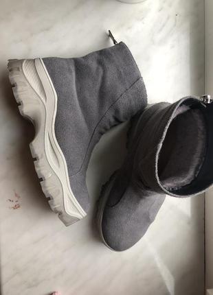 Замшевые ботинки3 фото