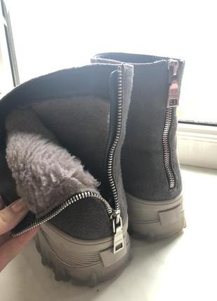 Замшевые ботинки4 фото