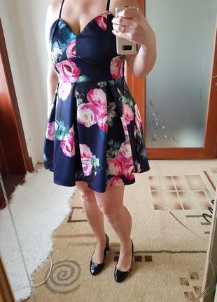 Неопреновое короткое платье в цветы