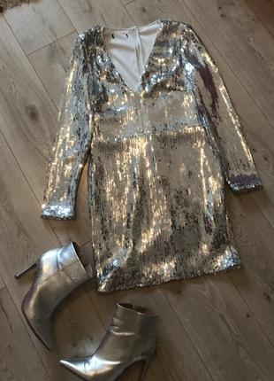 Платье серебристое паетки