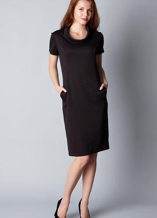 Платье-футляр с карманами