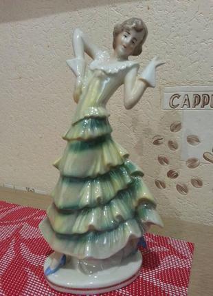 Статуэтка танцовщица, супер красивая, фарфор