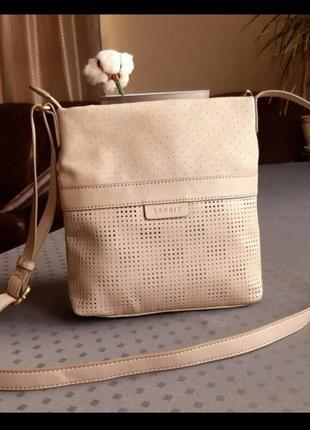 Красивая бежевая сумка кроссбоди фирмы esprit в новом состоянии