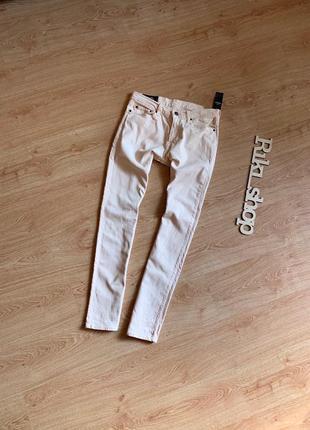 Белый эластически стрейч стретч джинсы с пастельно коралловым оттенком hollister