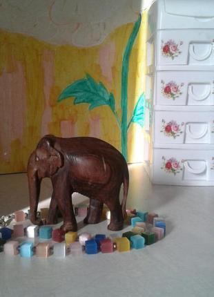 Статуэтка слон из красного дерева