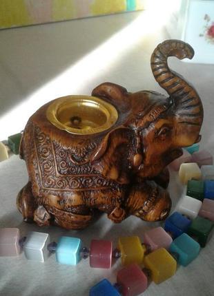 Подсвечник в виде слона, пластик, египет