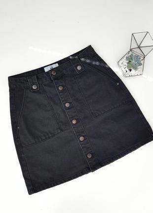 Черная юбка джинсовая на пуговицах