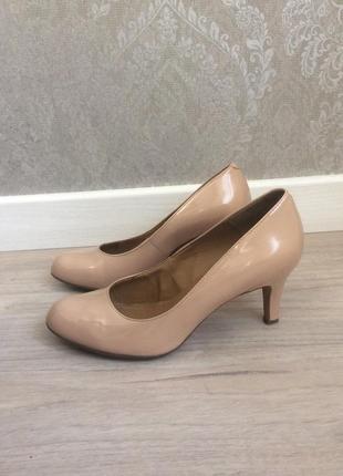 Кожаные  женские туфли сlarks.