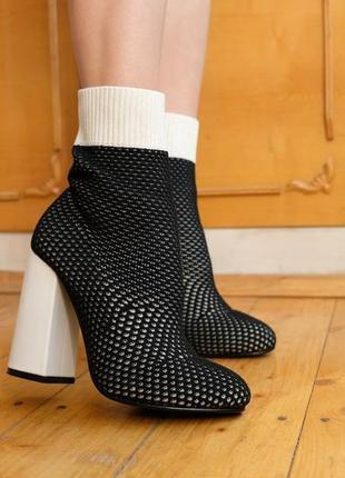 Невероятные сапоги чулки с шикарными каблуками