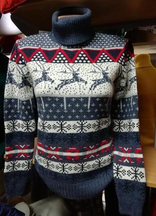 Женский теплый зимний шерстяной свитер с оленями