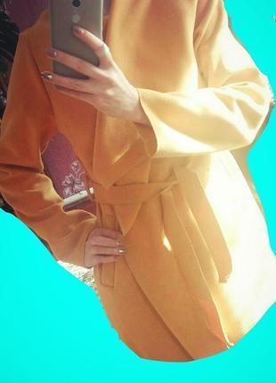 Стильне та модне пальто