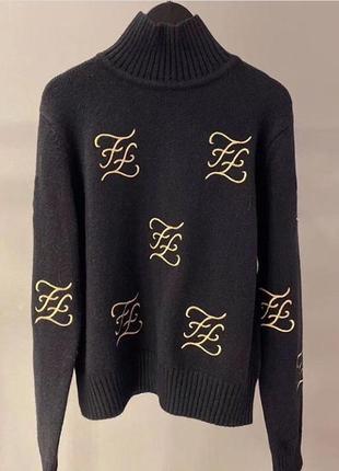 Теплый овепсайз свитер fendi с воротником стоечкой