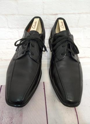 Кожаные добротные туфли clarks structured (англия), размер 10 g (44)