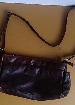 Коричневая сумка из натуральной кожи