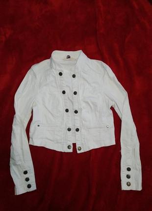 Джинсовая куртка курточка белый джинсовый пиджак